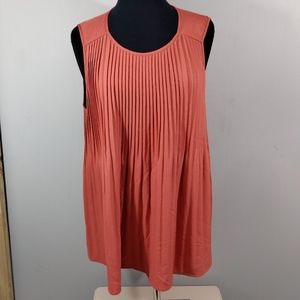 Ava & Viv crew neck Pleated tank size 4x